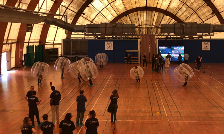 foot dans une bulle