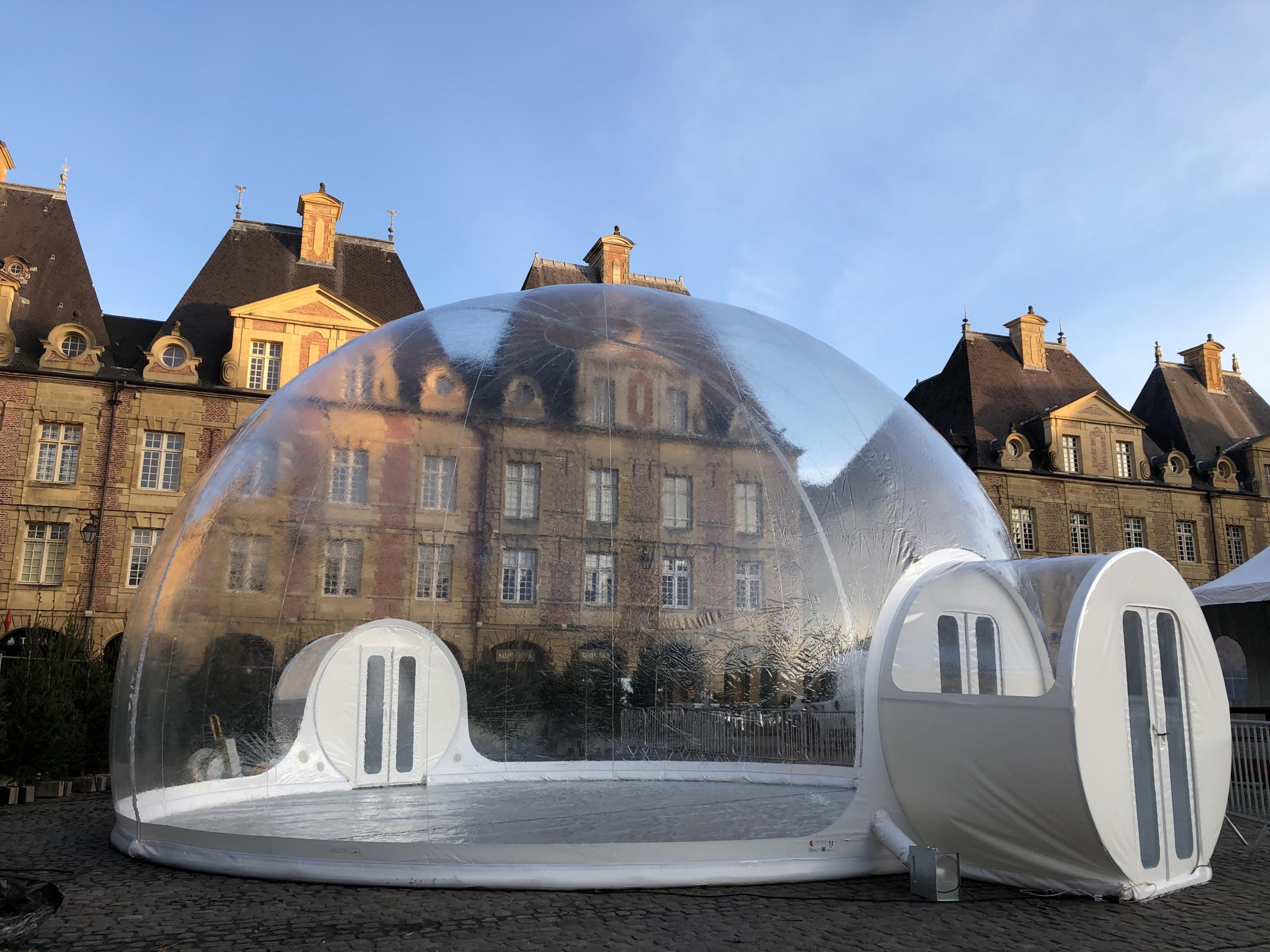 Un Igloo Gonflable De 10 Metres De Diametre A Charleville